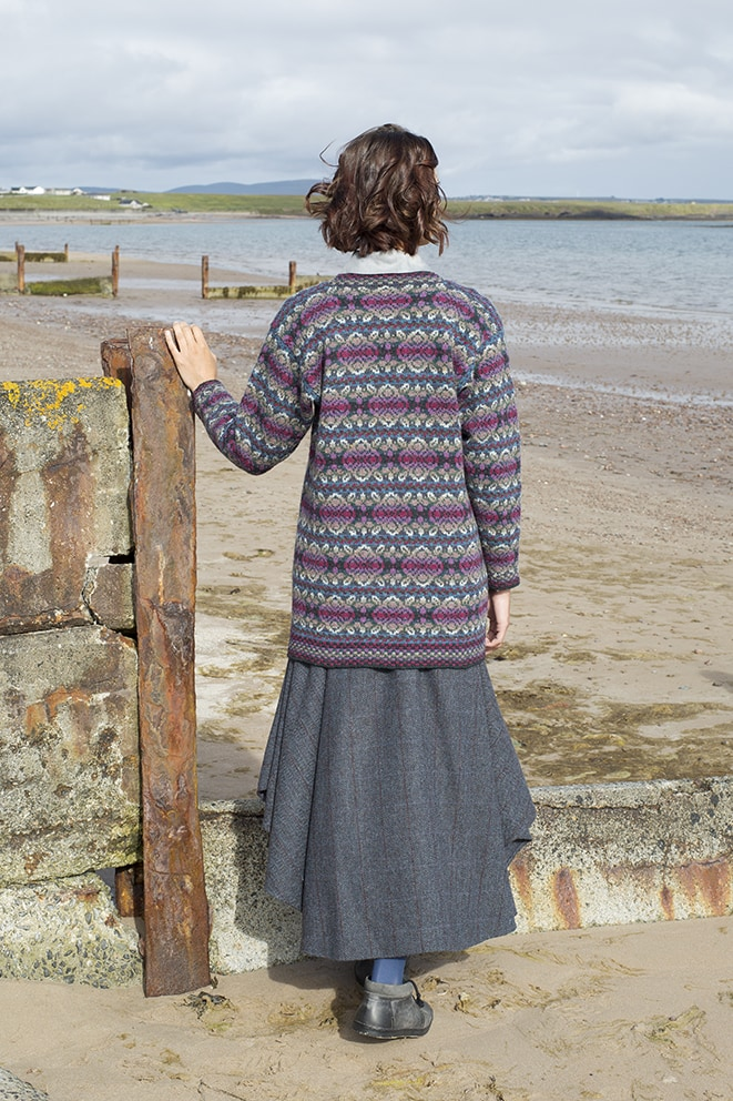 Abalone hand knitwear design by Alice Starmore for Virtual Yarns