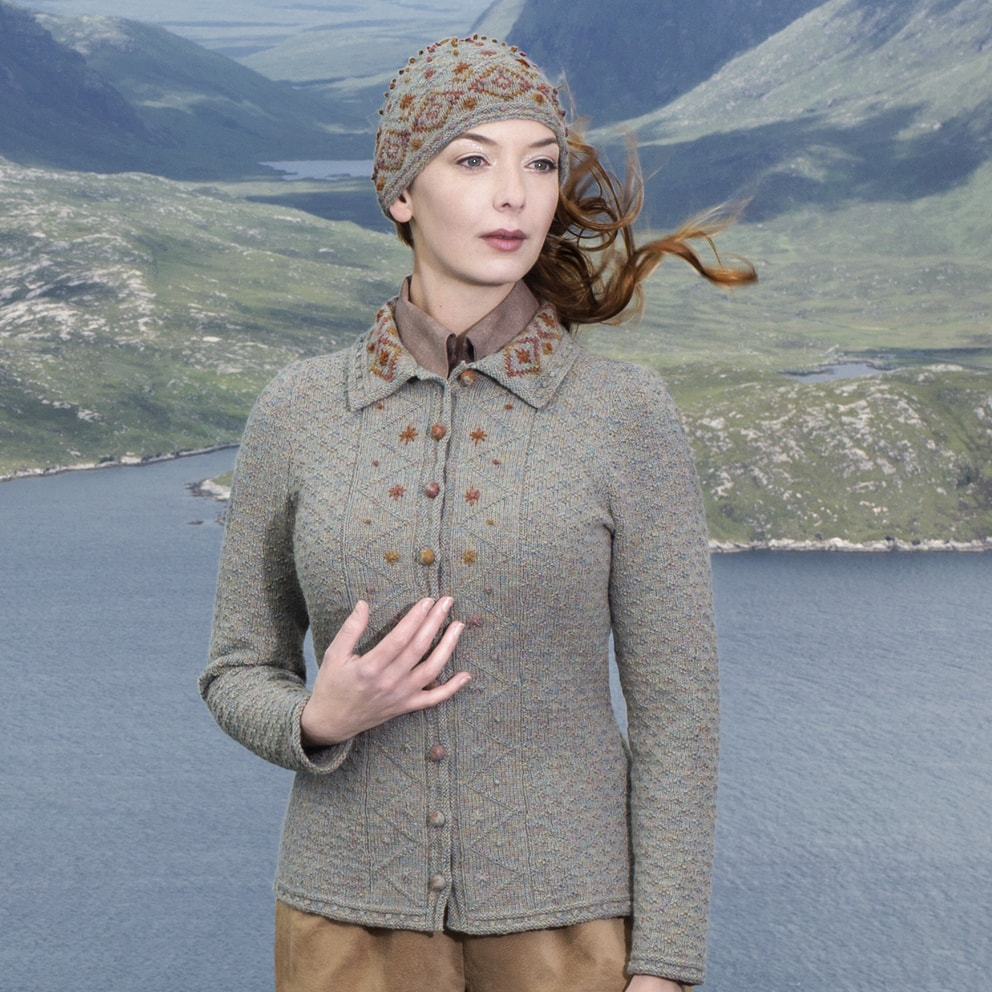 Mountain Hare hand knitwear design by Alice Starmore from the book Glamourie