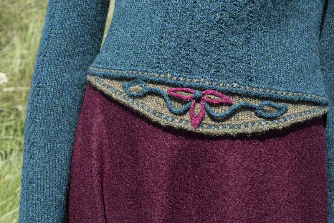 The Lapwing hand knitwear design by Alice Starmore from the book Glamourie