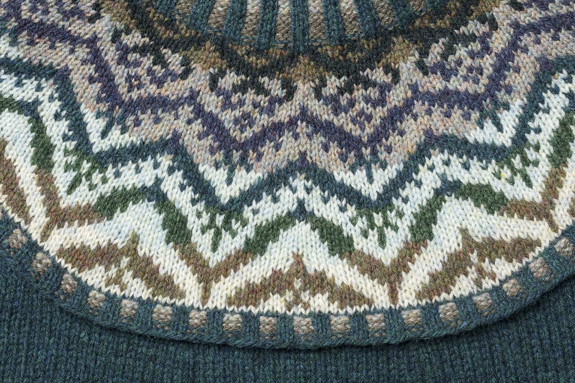 Mervielle Du Jour hand knitwear design by Alice Starmore for Virtual Yarns