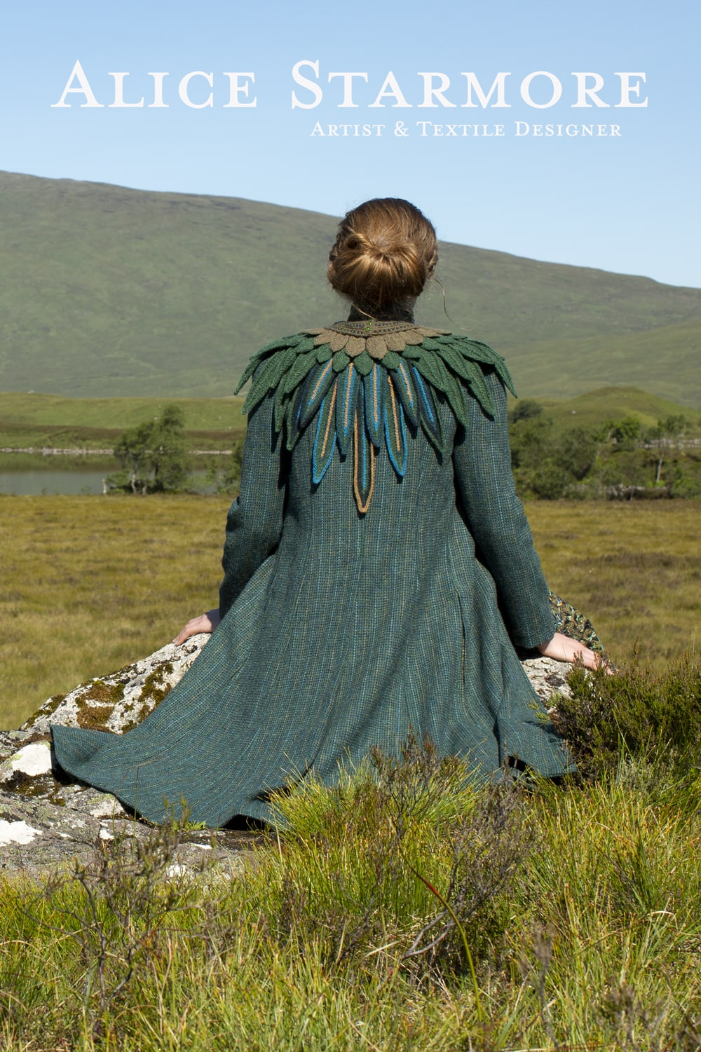 Lapwing Collar hand knitwear design by Alice Starmore for Virtual Yarns
